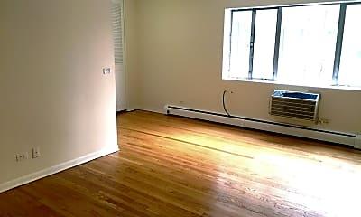 Living Room, 7120 N Sheridan Rd 306, 1