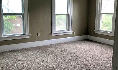 Living Room, 890 Peckham St, 2