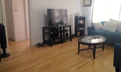 Living Room, 5851 Morrowfield Ave, 2