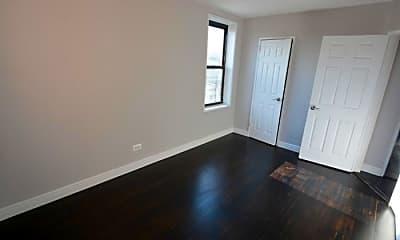 Living Room, 2021 E 41st St, 1