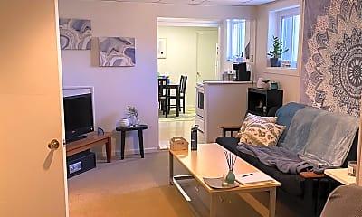 Living Room, 524 Maple Ave 6, 0