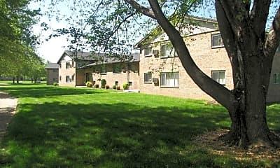 Building, White Oaks West Apartments, 2