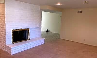 Living Room, 2925 Baker St, 1