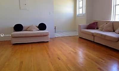 Living Room, 1319 Meridian Ave, 1