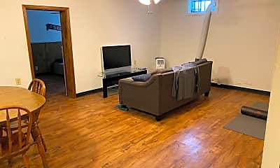 Living Room, 412 N College Ave, 0