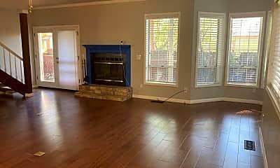 Living Room, 2674 Idlewild Dr, 1