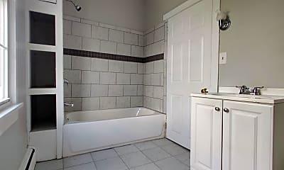 Bathroom, 460 Main St, 1
