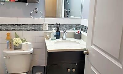 Bathroom, 78 Summit Ave 305, 2