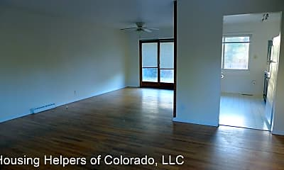 Living Room, 560 S 40th St, 1