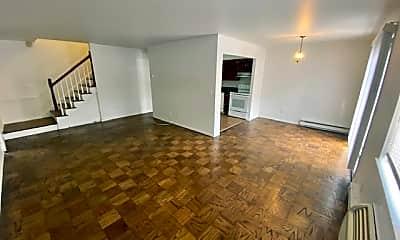 Living Room, 243 W Post Rd B, 0