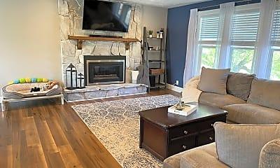 Living Room, 496 Creek View Rd, 1