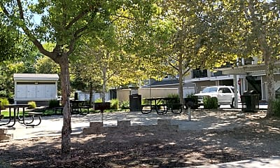 White Rock Apartments, 2