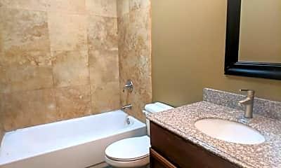 Bathroom, 3731 N Elston Ave, 2