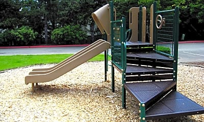 Playground, Arterra Woods, 2