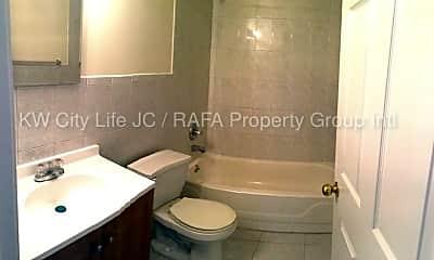 Bathroom, 88 Madison St, 1