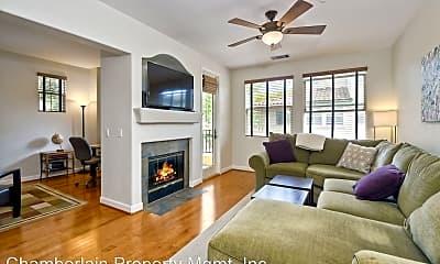Living Room, 1646 Sunnyside Ave, 1