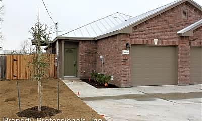 Building, 244A Rosalie Dr, 1