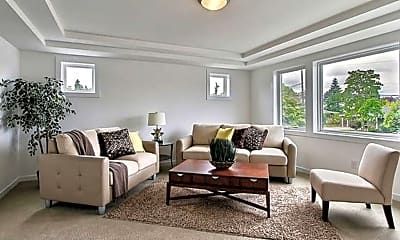 Living Room, 652 17th Ave W, 2