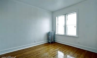 Living Room, 9000 S Bishop St, 2
