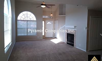 Living Room, 6114 Lakeview Ct, 2