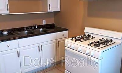 Kitchen, 374 Ridgewell Ave, Apt B, 2