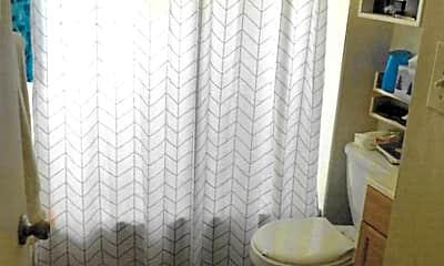 Bathroom, 2811  Stanton Street, 2