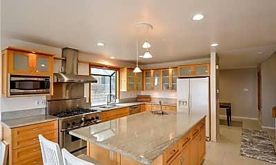 Kitchen, 3213 Carolwood Ln, 1