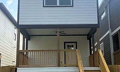 Building, 641 Vernon Ave, 1