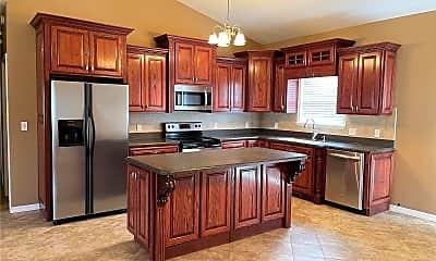 Kitchen, 180 Terrell Ave, 1