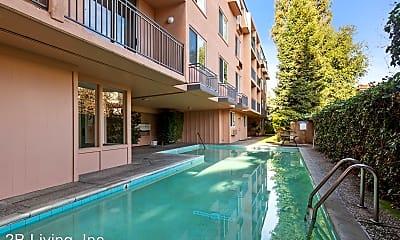 Pool, 725 Cowper St, 2