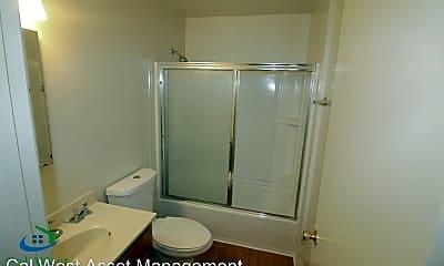 Bathroom, 1137 Roewill Dr, 2