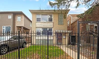 Building, 5043 W Cornelia Ave 1, 0