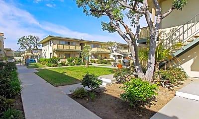 Courtyard, Santa Clara Apartments, 2