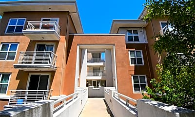 Building, 401 Crescent Ct, 2