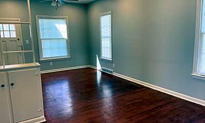 Living Room, 6038 Decatur St, 1