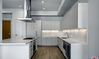 Kitchen, 2435 S Sepulveda Blvd PH 205, 1