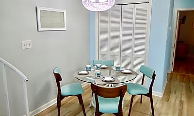 Dining Room, 1890 Colony Dr, 1