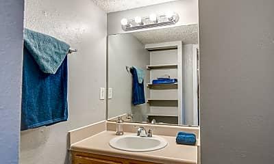 Bathroom, Heatherstone Apartments, 2