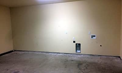 Living Room, 418 E North St, 2