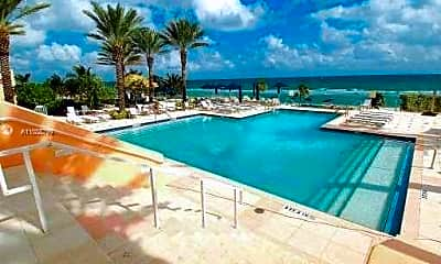 Pool, 19333 Collins Ave 1610, 1