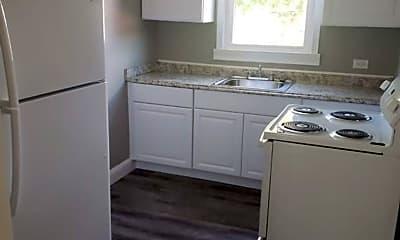 Bathroom, 602 Watauga St, 2