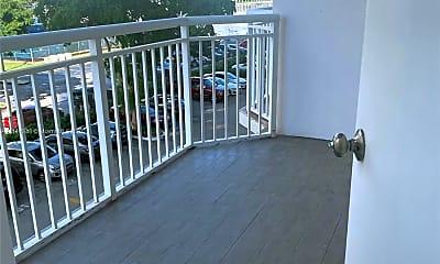Patio / Deck, 18051 Biscayne Blvd 301, 1