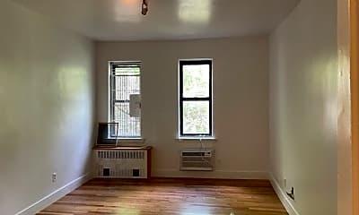 Living Room, 413 E 82nd St 3A, 1