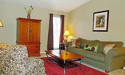 Living Room, 10000 Walnut St, 2