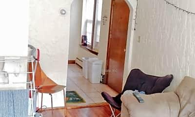 Living Room, 190 North St, 1