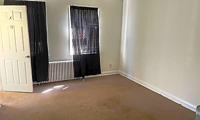 Living Room, 2948 Cornwall Rd, 1