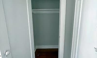 Bathroom, 2306 NW 14th St, 2
