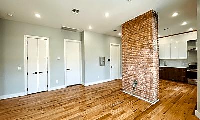 Living Room, 152 Thorne St, 2