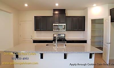 Kitchen, 5427 Gallier Loop, 1