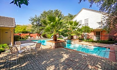 Pool, 2211 S Kirkwood Rd 29, 2